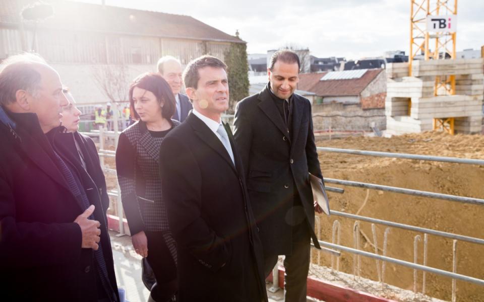 Manuel Valls et Sylvia Pinel sur le chantier BNP Paribas Aquaverde