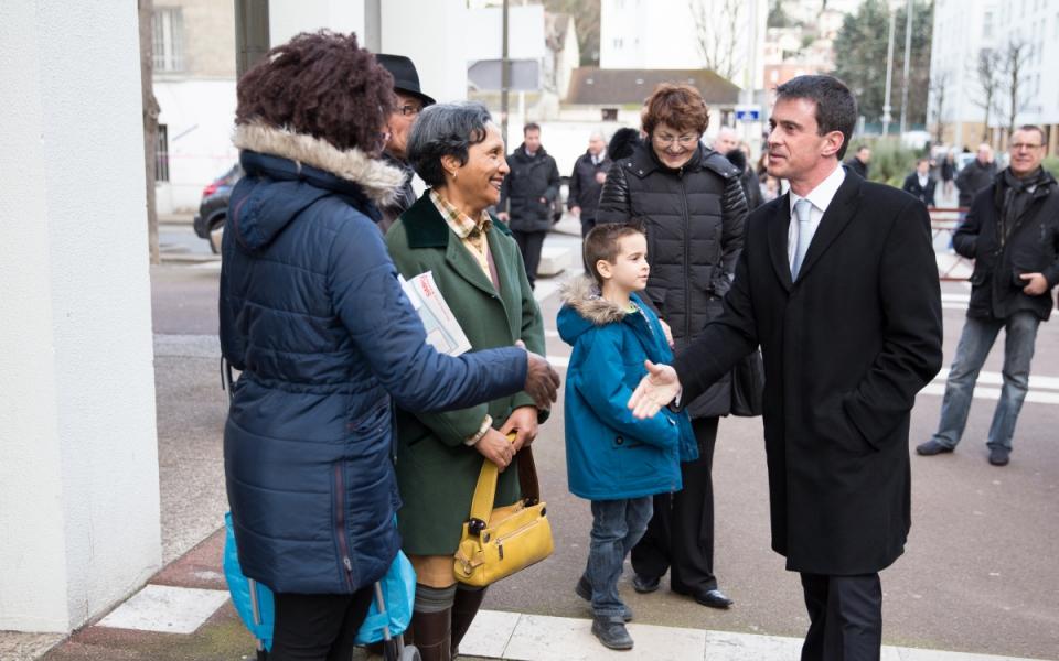 Le Premier ministre à la rencontre des habitants de Cachan