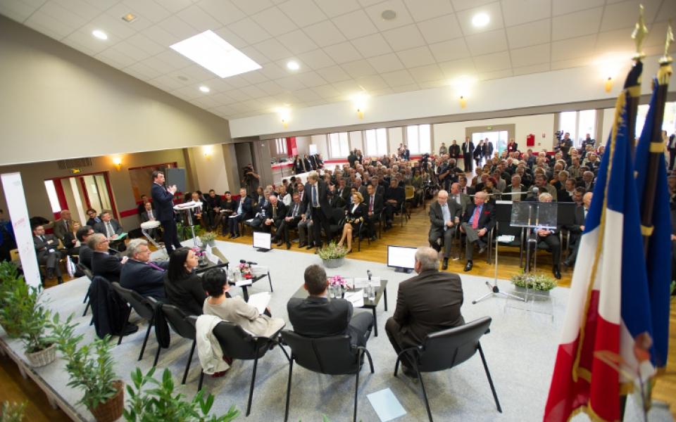 """Le 3 novembre 2014, Sylvia Pinel, André Vallini et Christian Eckert participent à l'atelier """"Comment mobiliser les ressources humaines et financières au service des projets locaux ?"""" à Thierville sur Meuse (55)"""