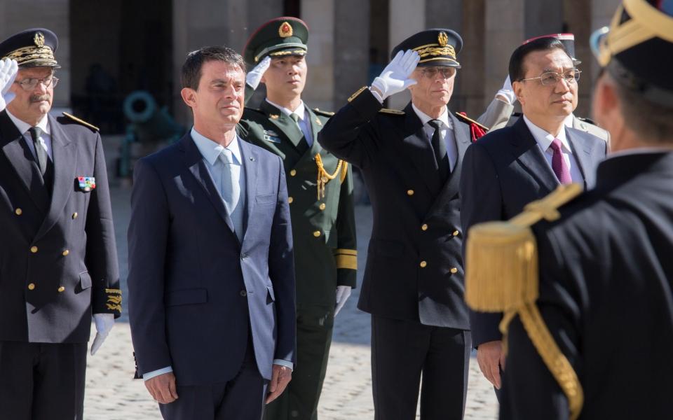Revue des armées à l'Hôtel national des Invalides