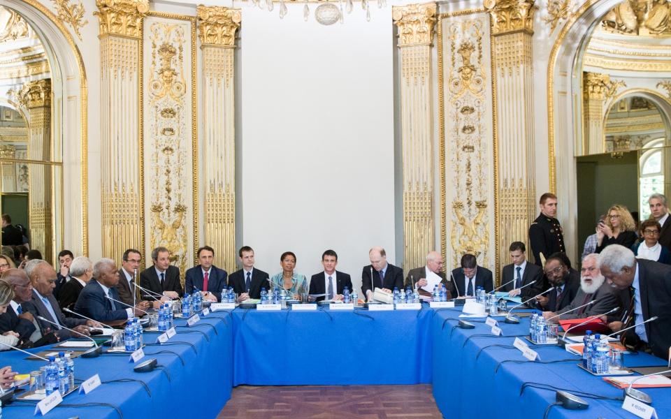 Réunion exceptionnelle du Comité des signataires de l'Accord de Nouméa présidée par Manuel Valls