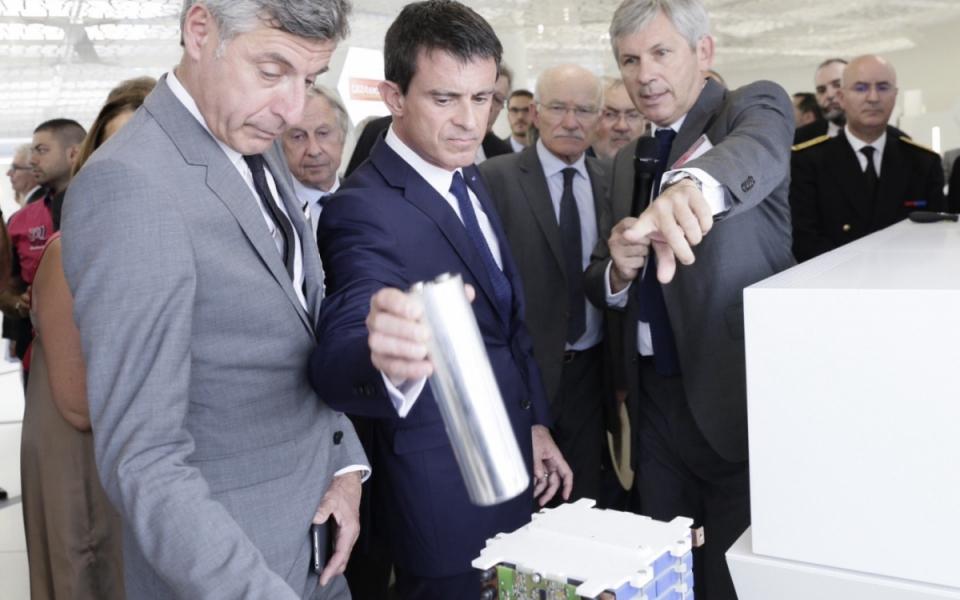 Visite de Manuel Valls au CEA