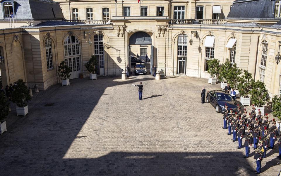 Vue de la cour de Matignon