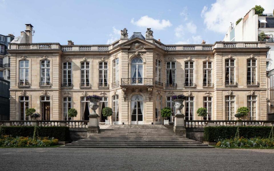 La façade de Matignon, côté jardin