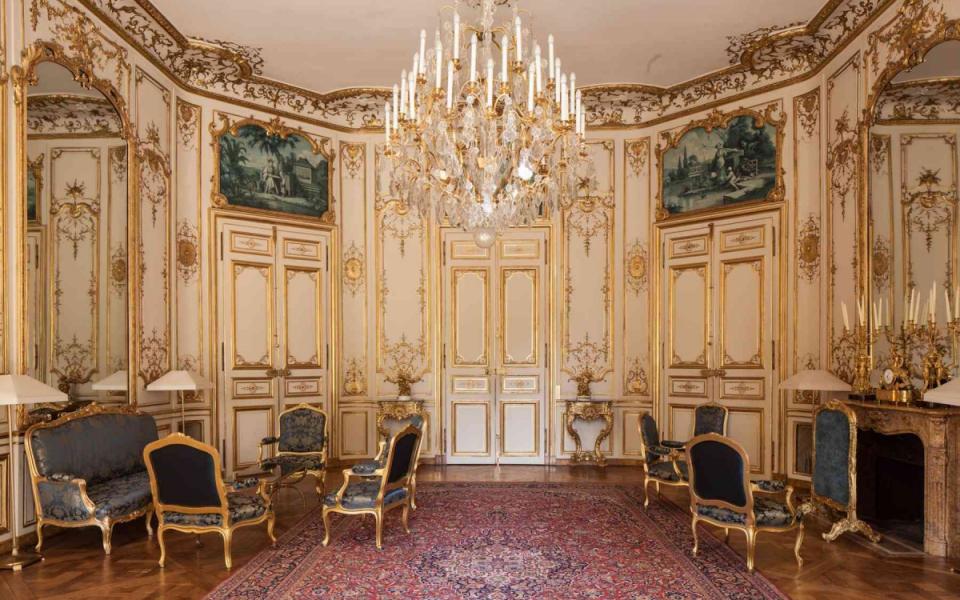 Le salon bleu et les chinoiseries de l'atelier de Jean-Christophe Huet