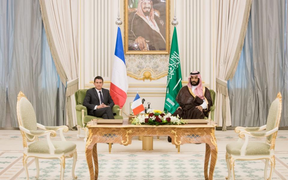 Manuel Valls avec le Roi Salman d'Arabie saoudite