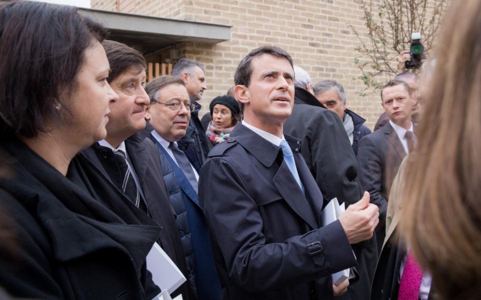 Manuel Valls rencontre des habitants du quartier de la Vigne Blanche