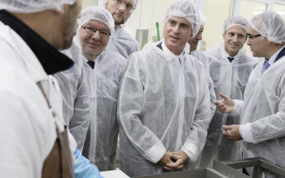 Manuel Valls visite le Centre de formation aux produits de la mer et de la terre