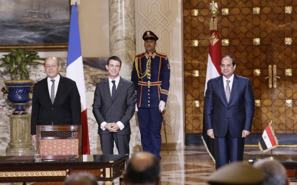 Manuel Valls, Jean-Yves Le Drian et Abdelfatah Al Sisi, président de la République arabe d'Egypte