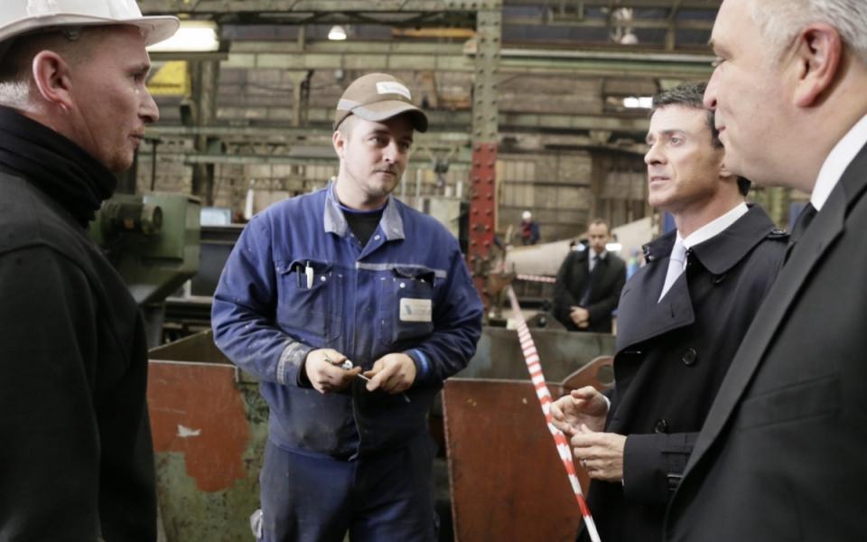 Manuel Valls rencontre des employés de la Socarenam