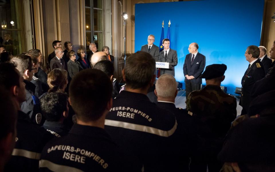 Discours de Manuel Valls devant les forces de l'ordre à la préfecture de l'Isère