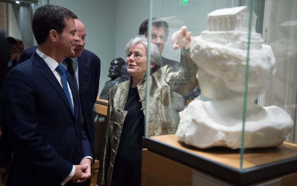 Manuel Valls visite le musée Rodin rénové accompagné de la directrice Catherine Chevillot