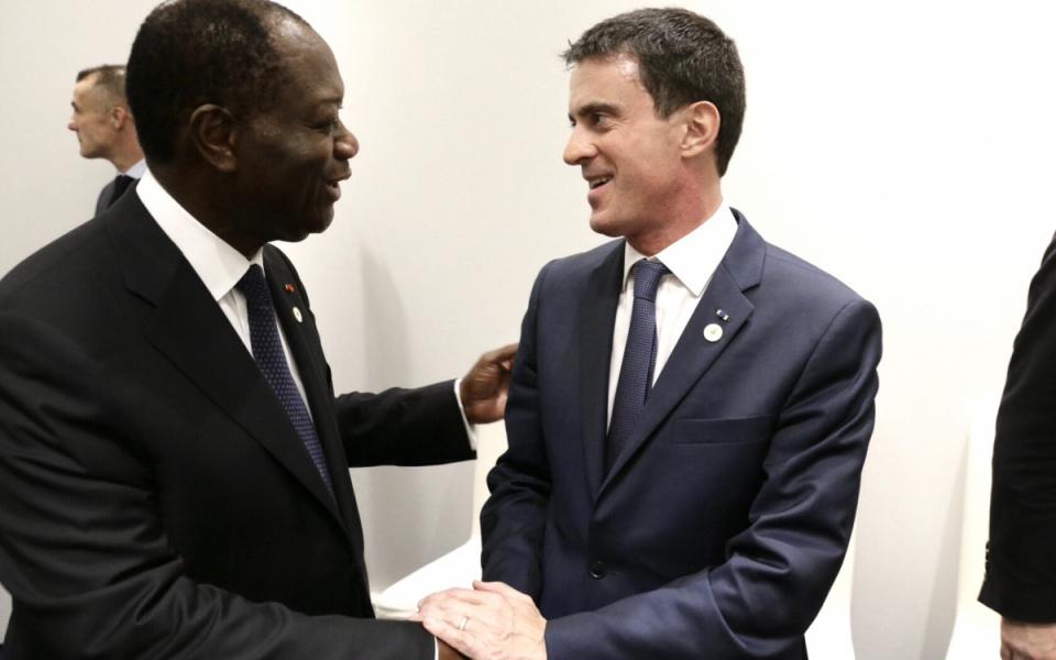 Manuel Valls avec Alexandre Ouattara, président de la République de Côte d'Ivoire