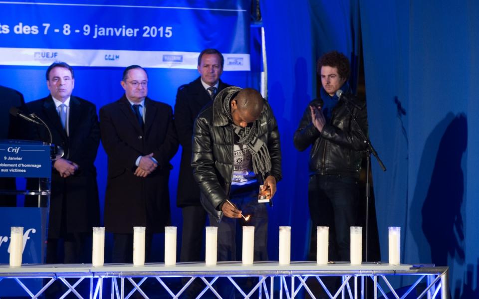 Lassana Bathily lors de la cérémonie d'hommage aux victimes des attentats de janvier 2015