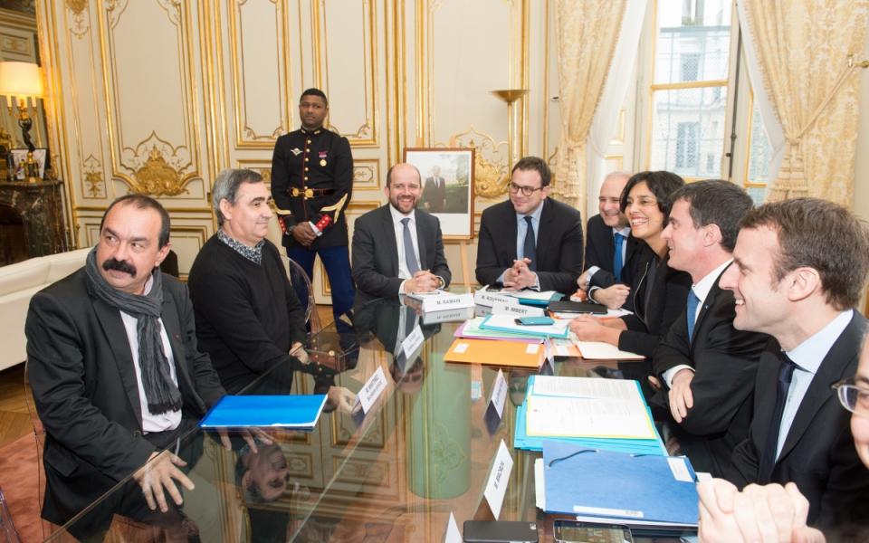 Manuel Valls s'entretient avec Philippe Martinez, secrétaire général de la CGT