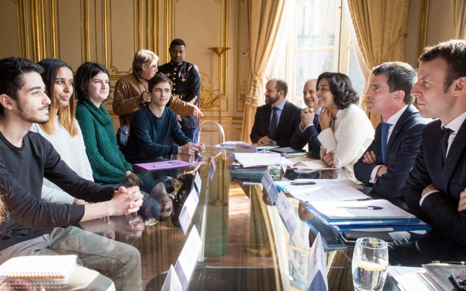 Manuel Valls s'entretient avec une délégation de la Fédération indépendante et démocratique lycéenne, de l'Union nationale lycéenne et du Syndicat général des lycéens