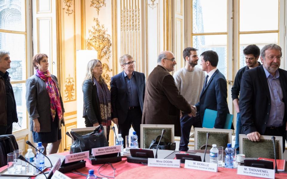 Manuel Valls accueille les partenaires sociaux