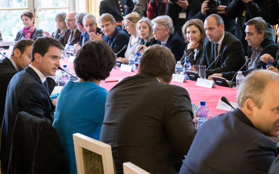 Réunion de Manuel Valls avec les partenaires sociaux pour présenter le projet de loi Travail
