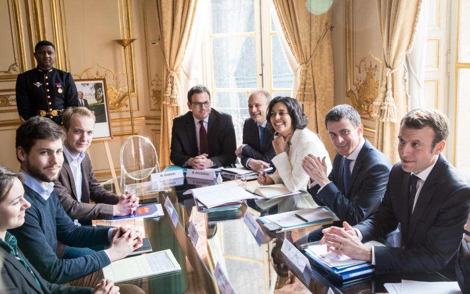 Manuel Valls s'entretient avec une délégation de la Fédération des associations générales des étudiants