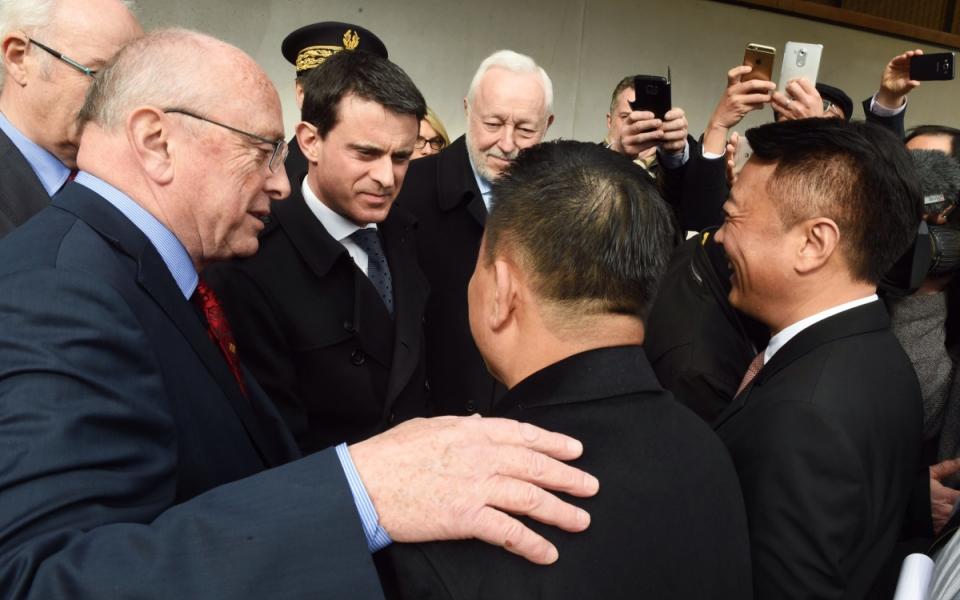 Arrivée de Manuel Valls à l'entreprise INESA, à Verdun