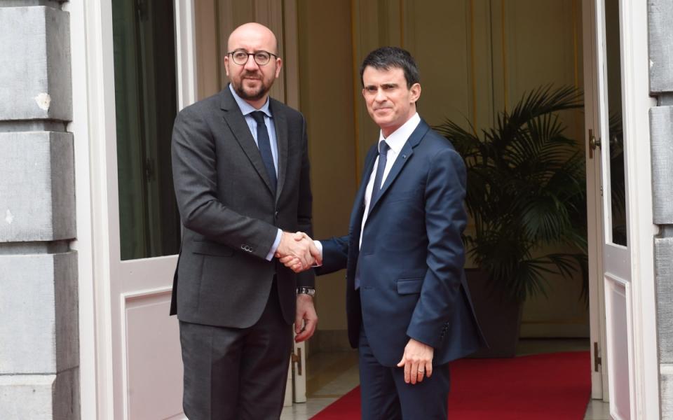Manuel Valls accueilli par son homologue Charles Michel à la Chancellerie de Belgique