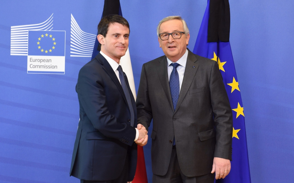 Manuel Valls accueilli par Jean-Claude Juncker à la Commission européenne