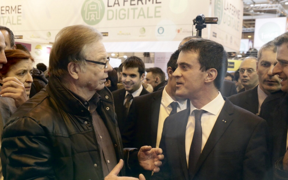 Manuel Valls visite le Salon international de l'agriculture