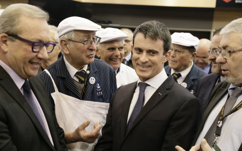 Manuel Valls rencontre les exposants du Salon international de l'agriculture