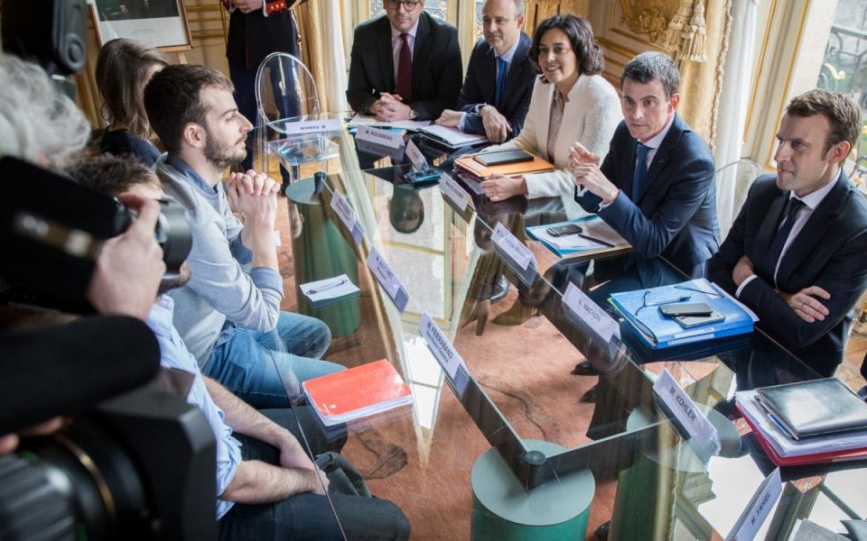 Manuel Valls s'entretient avec une délégation de l'Union nationale des étudiants de France (UNEF)
