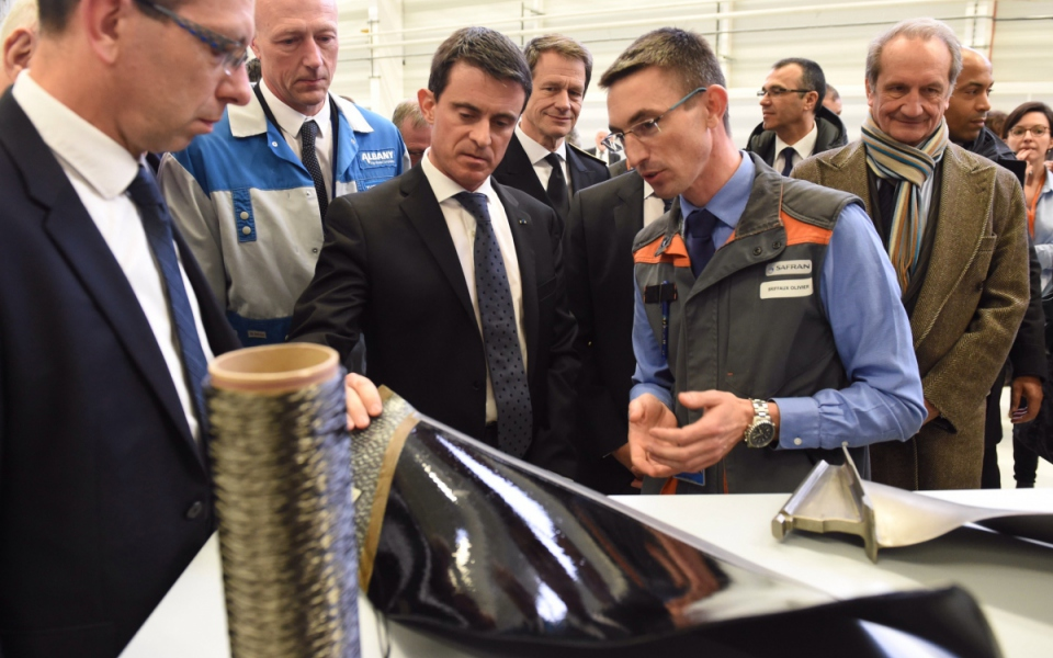 Manuel Valls visite l'entreprise Albany/Safran