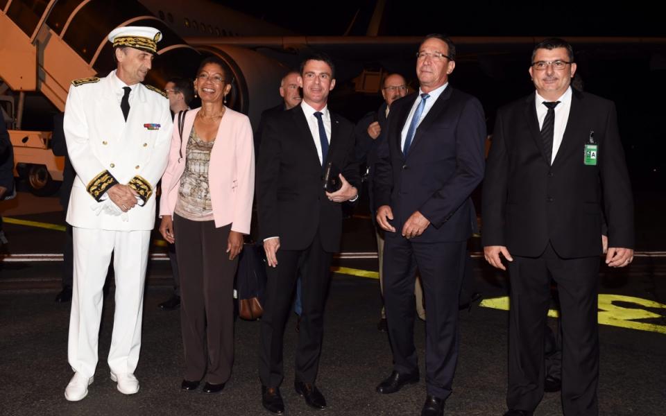 Arrivée de Manuel Valls à Nouméa