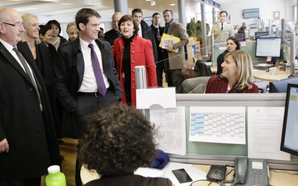 Manuel Valls visite la Caisse commune de Sécurité sociale de Lozère
