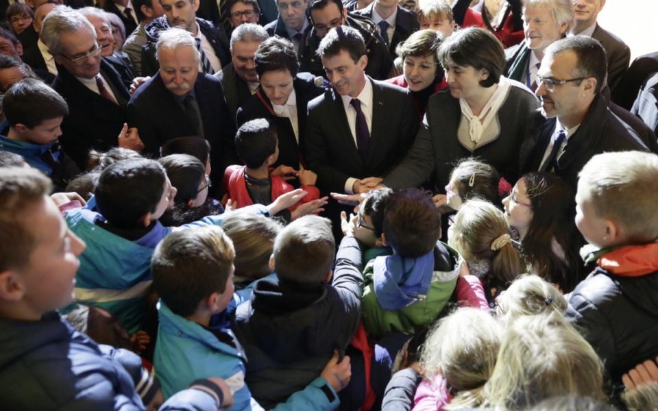 Manuel Valls au Concours européen de la race Brune
