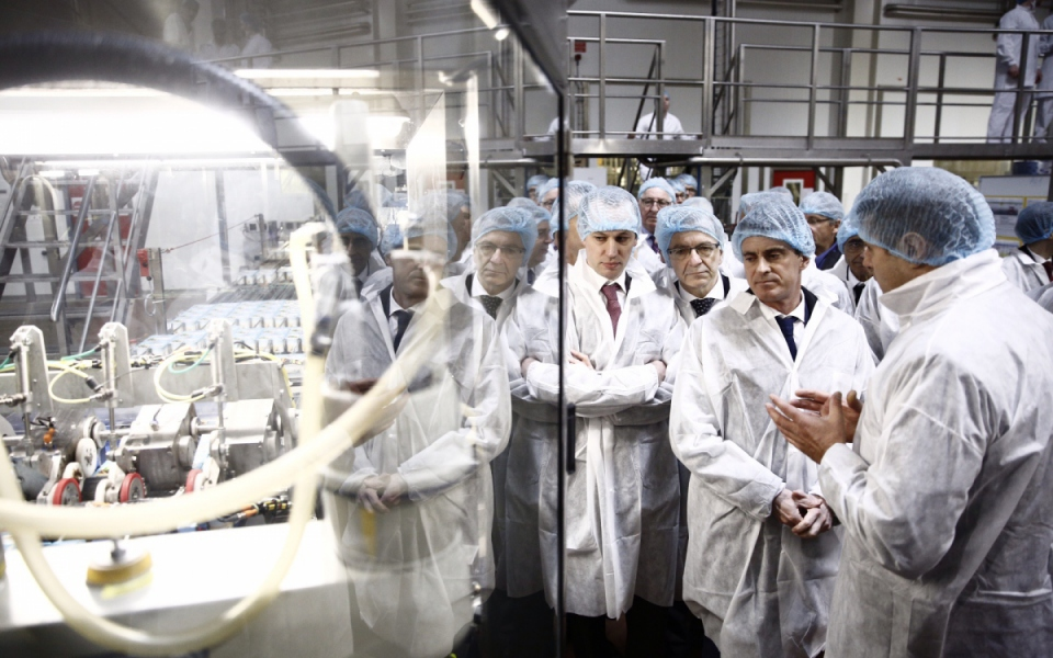 Manuel Valls visite l'usine Novandie