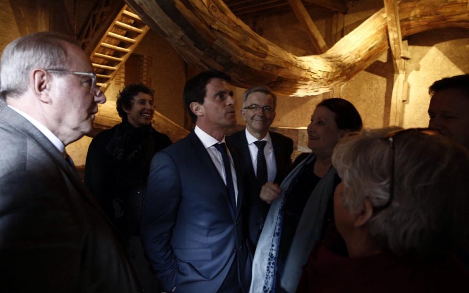 Manuel Valls visite les expositions au château de Chaumont-sur-Loire