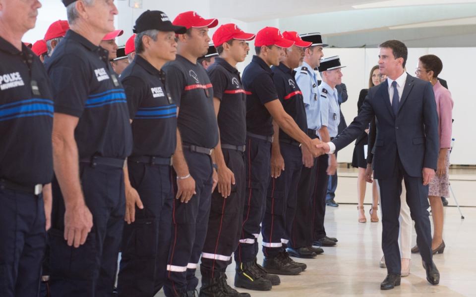 Accueil de Manuel Valls en mairie de Nouméa
