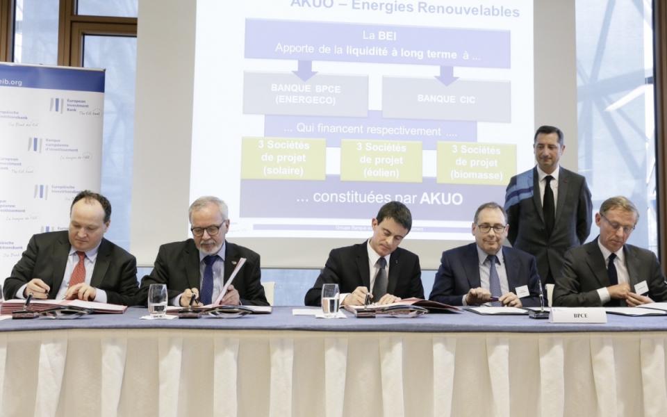 Signature d'accords avec Werner Hoyer, président, et Ambroise Fayolle, vice-président de la Banque européenne d'investissement