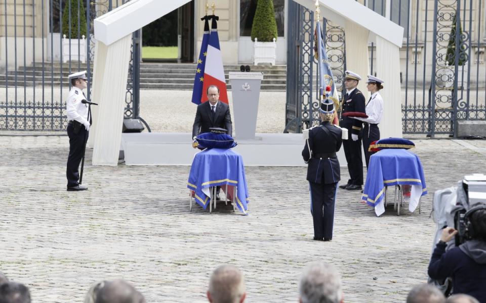 François Hollande lors de la cérémonie d'hommage aux deux policiers tués à Magnanville