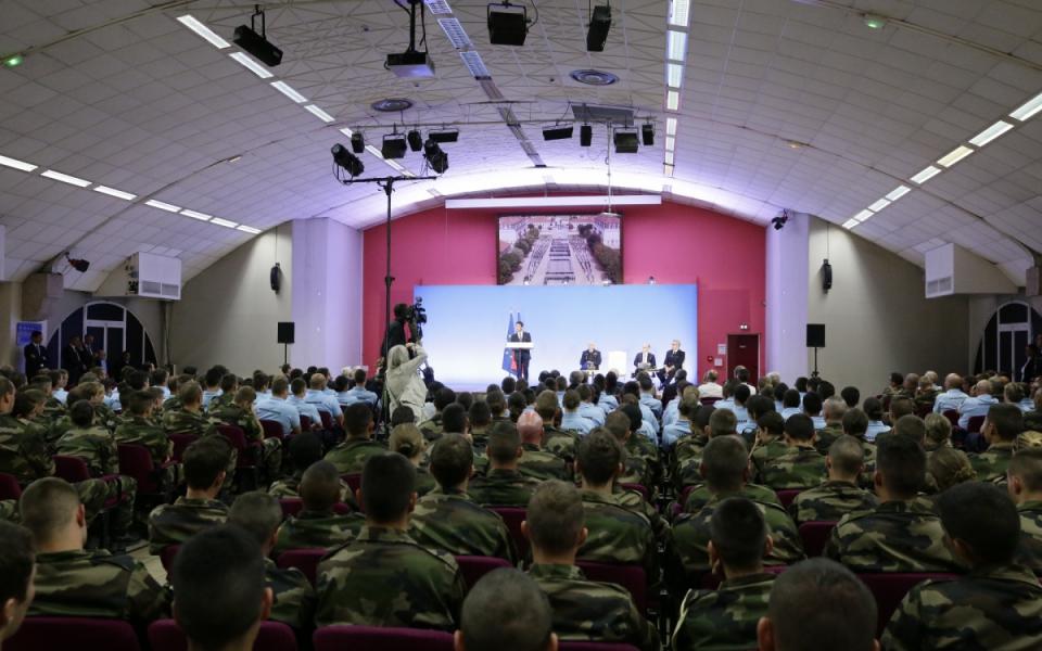 Lors de son discours, Manuel Valls a tenu à saluer l'engagement des jeunes réservistes, qui constituent selon lui, « un exemple à suivre »