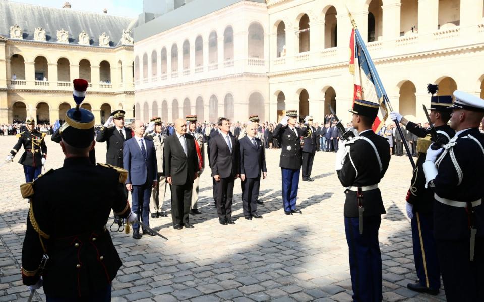 Adieu aux armes du général d'armée Denis Favier, directeur général de la gendarmerie nationale.