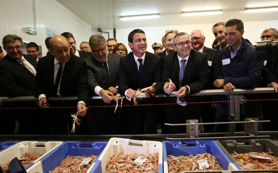 Manuel Valls, Jean-Yves Le Drian et Alain Vidalies au port du Guilvinec