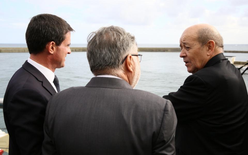 Manuel Valls, Jean-Yves Le Drian et Alain Vidalies
