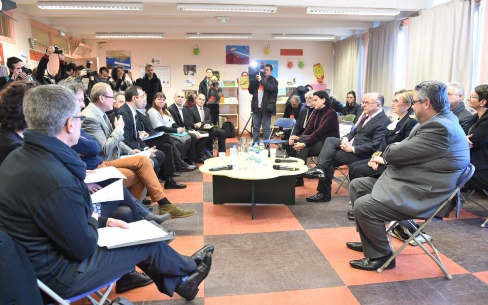 Table ronde avec les personnels éducatifs autour des dispositifs de réussite éducative