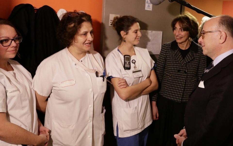 Bernard Cazeneuve et Marisol Touraine rencontrent le personnel du nouveau Centre Hospitalier Régional d'Orléans