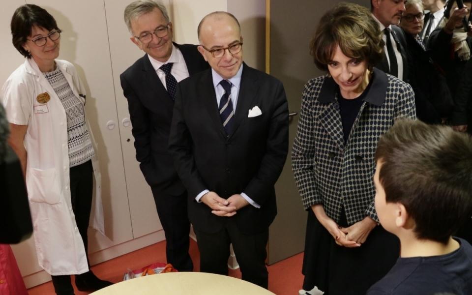 Bernard Cazeneuve et Marisol Touraine rencontrent le personnel et les patients du nouveau Centre Hospitalier Régional d'Orléans