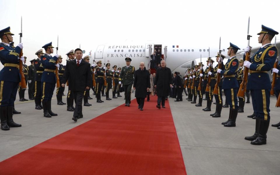 21/02 - Arrivée du Premier ministre en République populaire de Chine