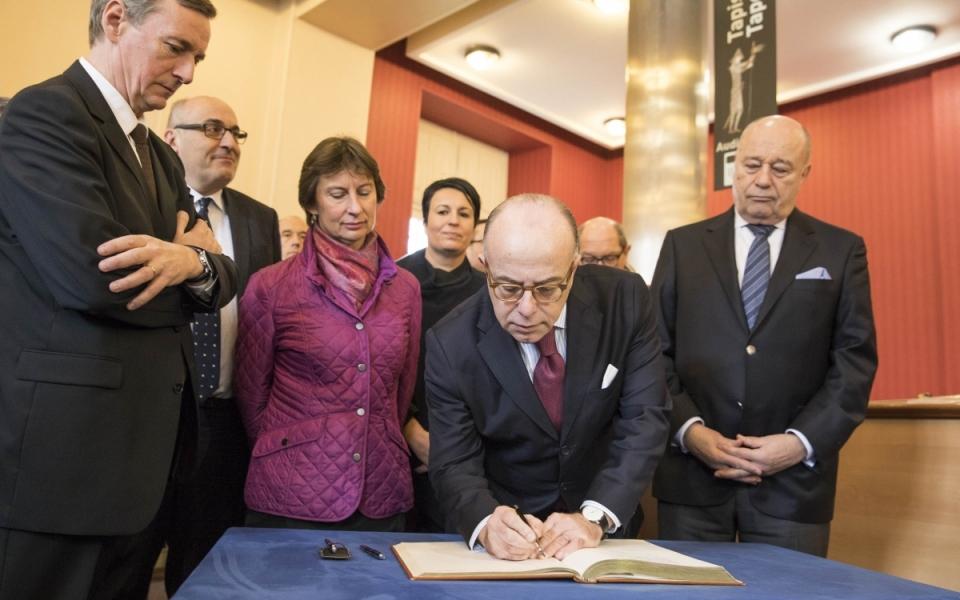 Le Premier ministre au Musée de la Tapisserie de Bayeux