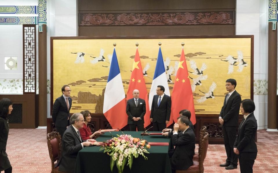 21/02 - Cérémonie de signatures d'accords en présence des deux Premiers ministres