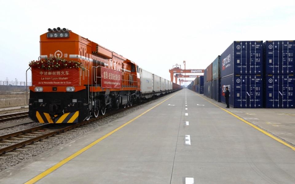 23/02 - Le Premier ministre a assisté à l'arrivée du train Lyon-Wuhan de la Nouvelle Route de la Soie