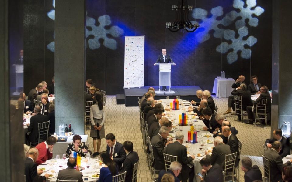 Bernard Cazeneuve s'exprime devant les membres de l'ANRT